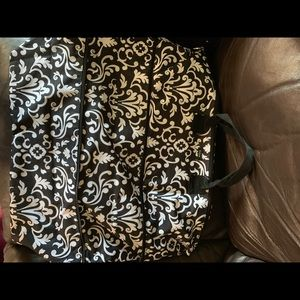 Thirty-one expand a tote